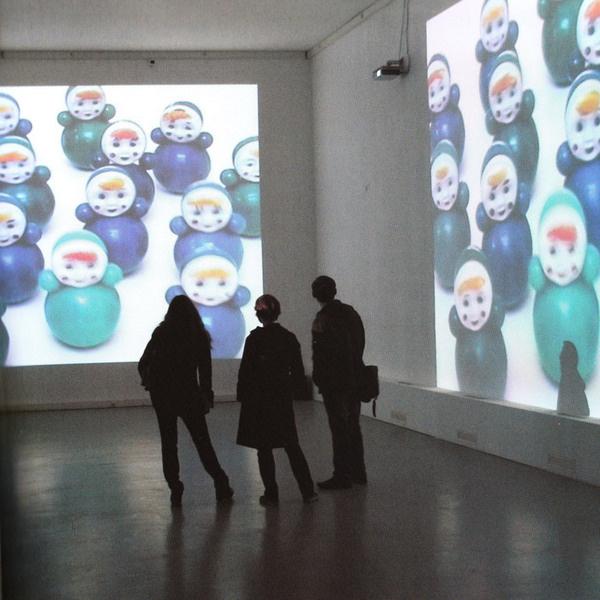 Анна Ермолаева, «Поиграй с Анной». Видеоинсталляция. 2008 г.