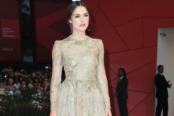 Кира Найтли в платье Valentino Couture