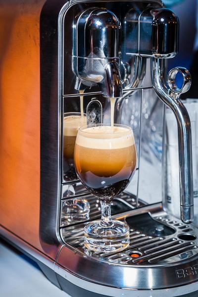 Образ дня: Анка Цицишвили на презентации Nespresso Iced Coffee   галерея [1] фото [3]