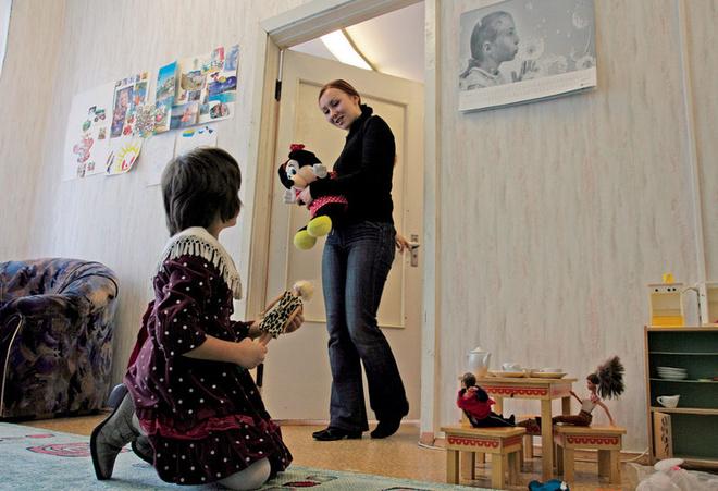 Кандидатка в мамы пришла в детский дом знакомиться с кандидаткой в приемные дочки