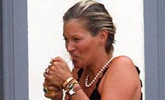Из-за бывшего мужа Кейт Мосс снова начала пить и курить