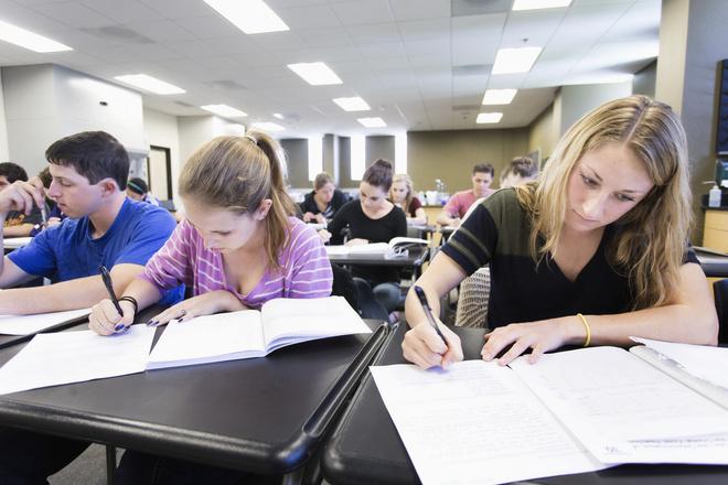 Школьников хотят заставить сдавать ЕГЭ по всем предметам