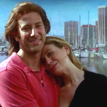 Зрители сериала не раз могли видеть эту фотографию, которую бережно хранил влюбленный Дезмонд.