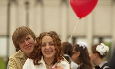 Российские выпускники прощаются со школой