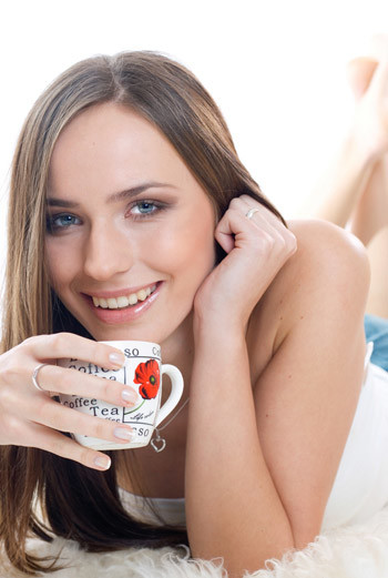 Травяные чаи способствуют выводу лишней жидкости из организма и эффективно очищают от шлаков.