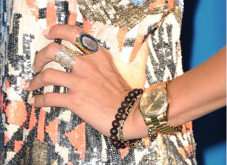 В СВОИХ РУКАХ: Как правильно носить браслеты   галерея [3] фото [2]