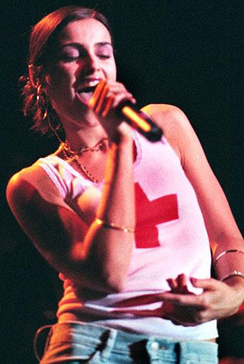 Нелли Фуртадо на сцене