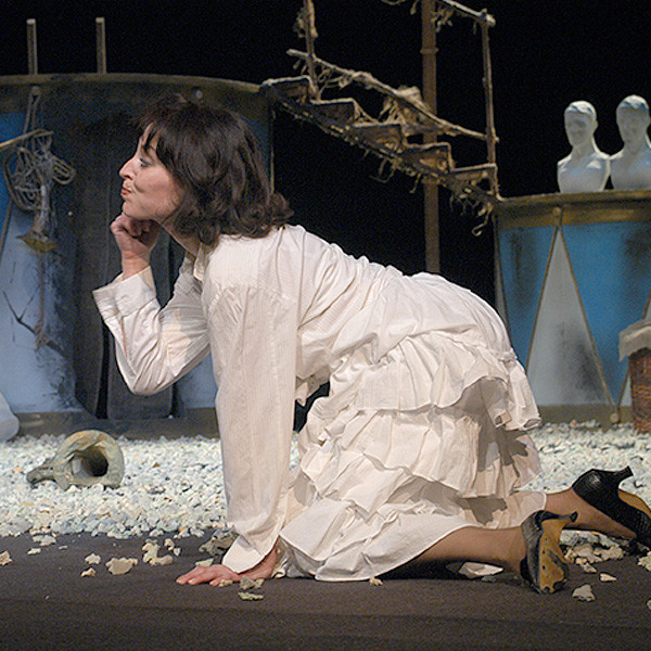 Елена Петрова в спектакле «Корсиканка», 2005 г