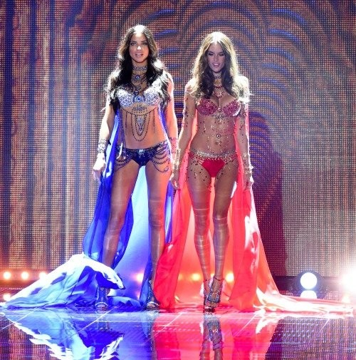 Victoria's Secret Fashion Show фото