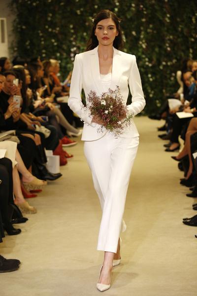 Показ Carolina Herrera на Неделе свадебной моды в Нью-Йорке | галерея [1] фото [13]