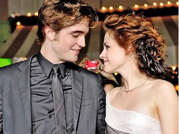 Роберт Паттинсон (Robert Pattinson) теперь точно достоин Кристен Стюарт - самой стильной голливудской звезды.