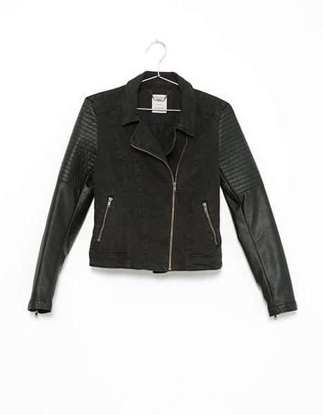 Джинсовая куртка с рукавами из искусственной кожи