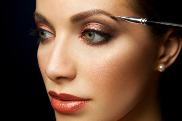Как красить брови: практические советы