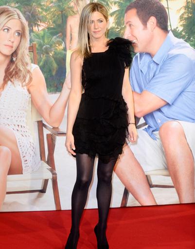 """Дженнифер Энистон (Jennifer Aniston) на премьере фильма """"Притворись моей женой"""" в Берлине"""