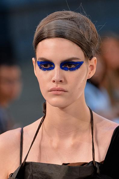 Необычный макияж на Парижской неделе моды