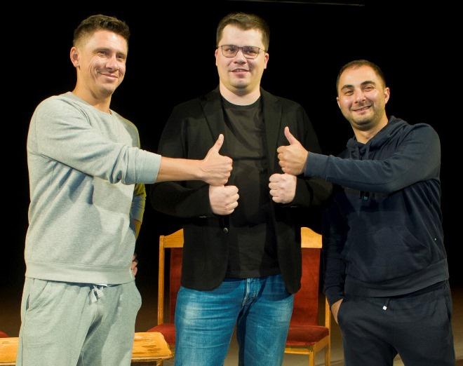Резиденты Comedy Club на ТНТ Гарик Харламов, Тимур Батрутдинов и Демис Карибидис