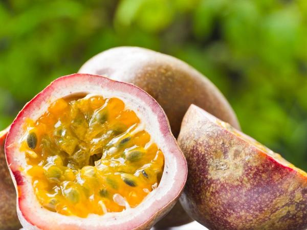 Экзотический плод маракуя