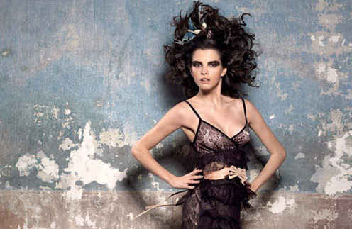 Кадр из рекламной кампании Fornarina, осень-зима 2011/12