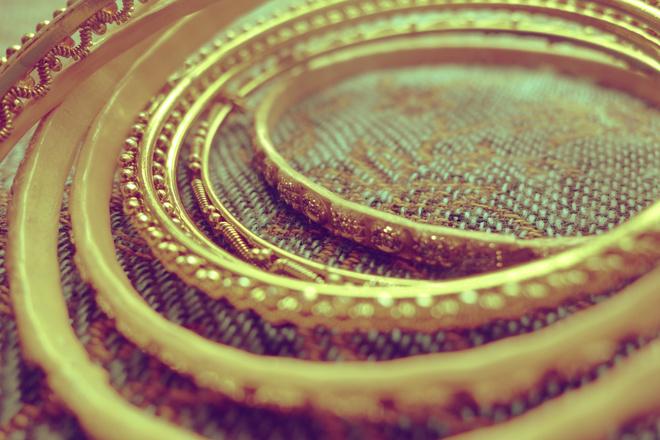 чем почистить золотой браслет