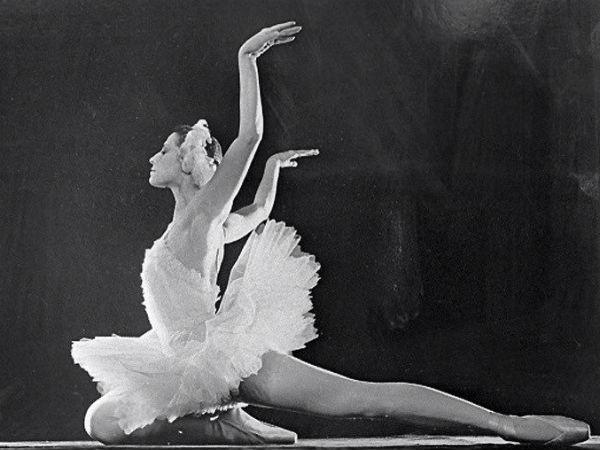 Артисты и политики - о балерине Майе Плисецкой