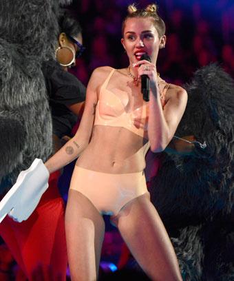 Майли Сарус на MTV VMA 2013