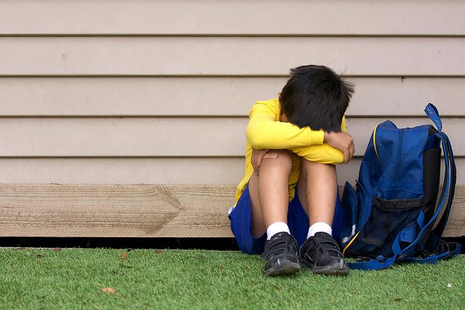 Ребенок плачет, фото