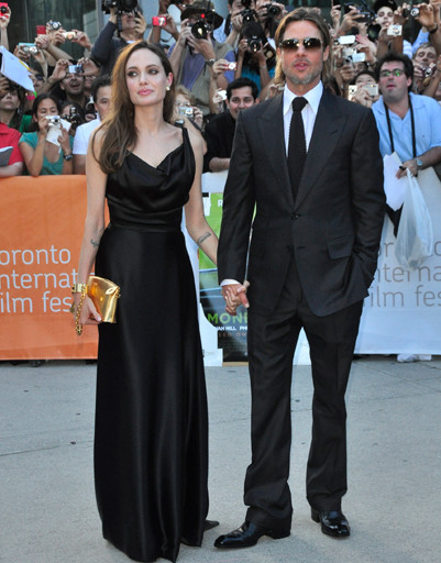 """Анджелина Джоли (Angelina Jolie) и Брэд Питт (Brad Pitt) на премьере фильма """"Человек, который изменил все"""" в Торонто"""