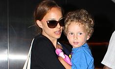 Стиль звезд: Натали Портман с сыном в аэропорту