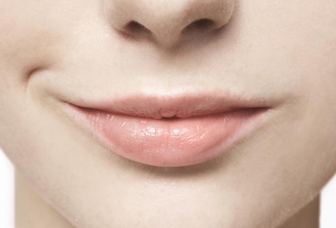 можно ли выщипывать усы пинцетом