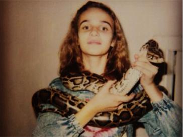 Алена Водонаева со змеей на шее.