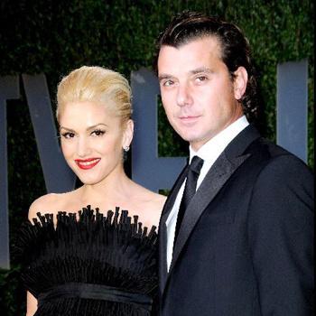 Певица прибыла в Нью-Йорк вместе с мужем Гевином Россдейлом, чтобы присутствовать на NY Fashion Week.