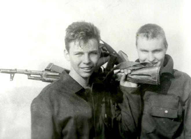 Илья Лагутенко, кто из звезд служил в армии