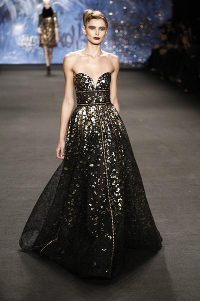 Самые роскошные вечерние платья Недели моды в Нью-Йорке | галерея [3] фото [17]
