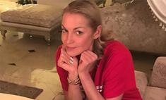 Hot or not? Волочкова вышла на мороз в платье без белья