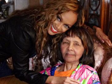Тайра Бэнкс (Tyra Banks) с бабушкой