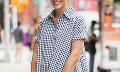 Главный тренд: как носить и где купить платье-рубашку