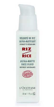 Ультра-матирующий флюид для лица L'Occitane увлажняет кожу и выравнивает ее.