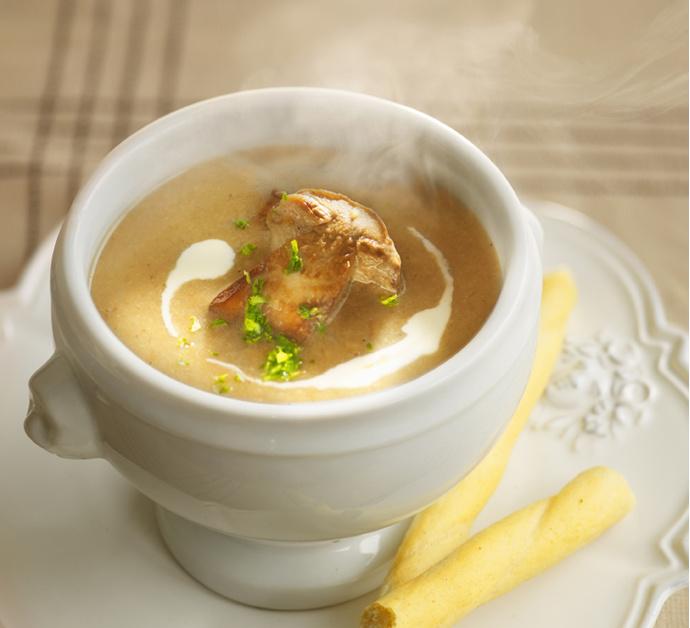 Рецепт: Куриный суп с шампиньонами — Elle.ru