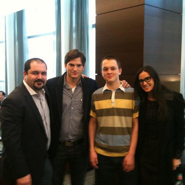 Андрей познакомился с Деми Мур и ее мужем Эштоном Катчером.