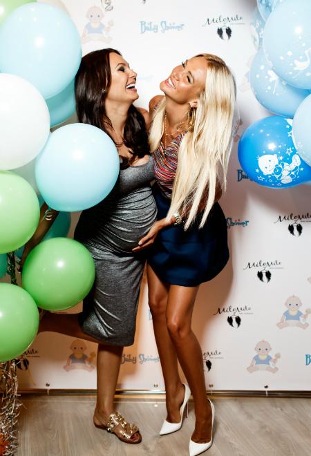 Инна Жиркова и Виктория Лопырева фото