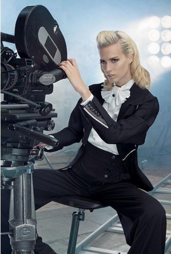 Жакет, Gianfranco Ferré; блузка, Escada; брюки, Givenchy