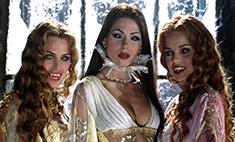 Красивые и опасные: 10 самых сексуальных вампирш в кино