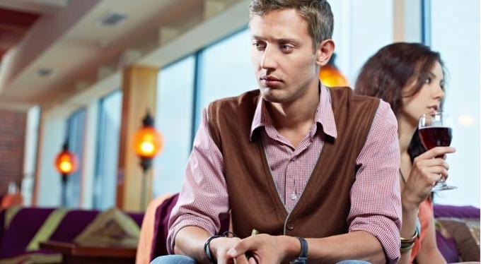 15 признаков неуверенного в себе мужчины