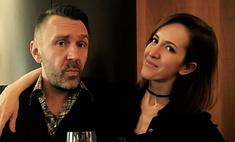 Шнуров купил жене «лабутены» по цене авто