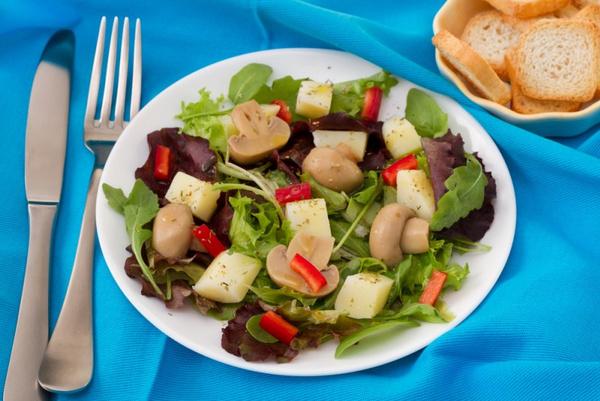 Маринованные шампиньоны салат