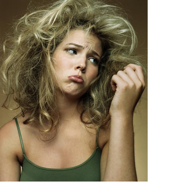волосы не расчесываются