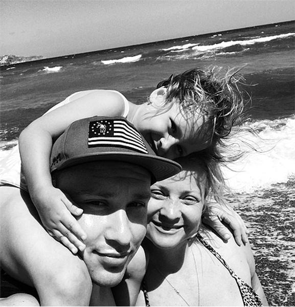 Светлана Пермякова с семьей, фото