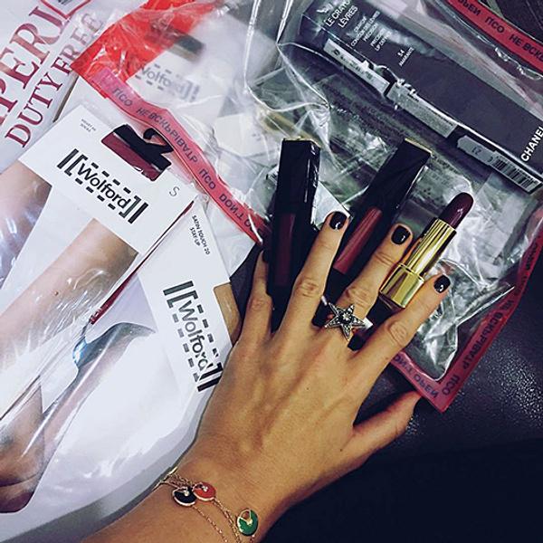 Косметичка Собчак в Инстаграм: фото