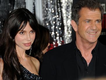 Мэлу Гибсону (Mel Gibson) придется объясняться в суде