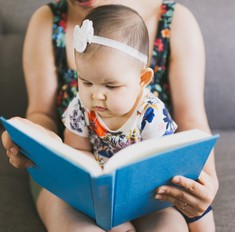 Полчаса тишины: 5 книг и 2 игры, которые займут малыша
